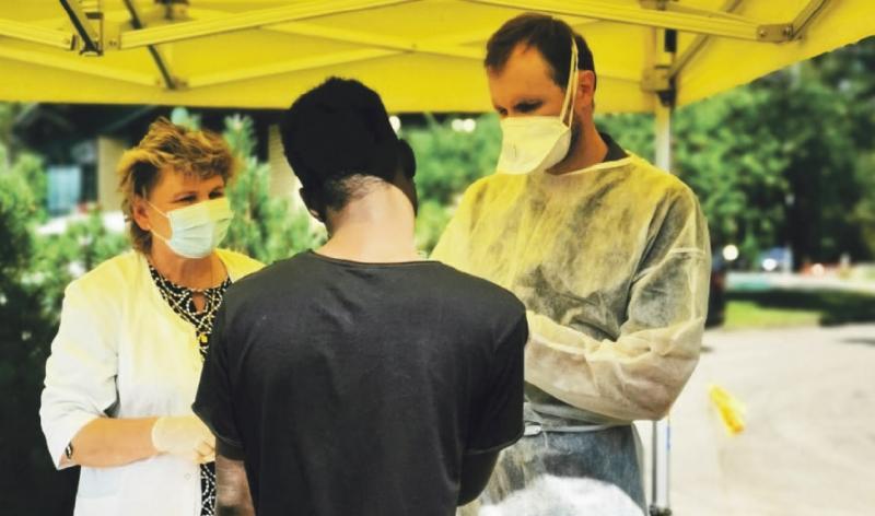 """Druskininkų poliklinikos gydytojas K. Juška: """"Migrantus gydome karo lauko sąlygomis"""""""